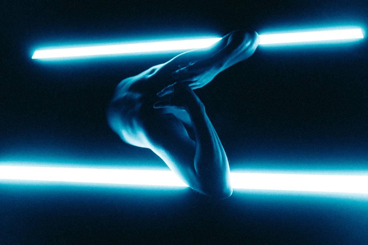 Máté Mészáros: Through Light – dance film / online premiere 19 June, 2021